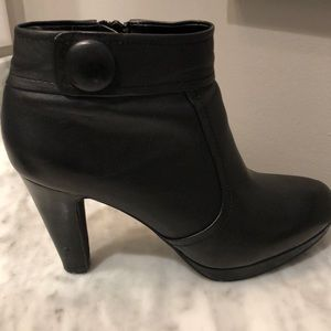 Giant Bernini leather bootie